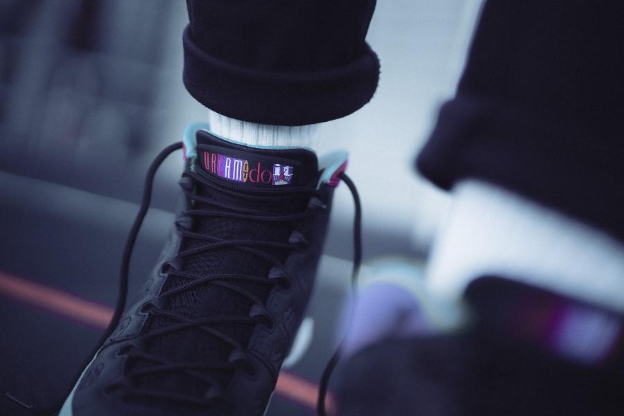 Air Jordan 9 noire multicolore 2019