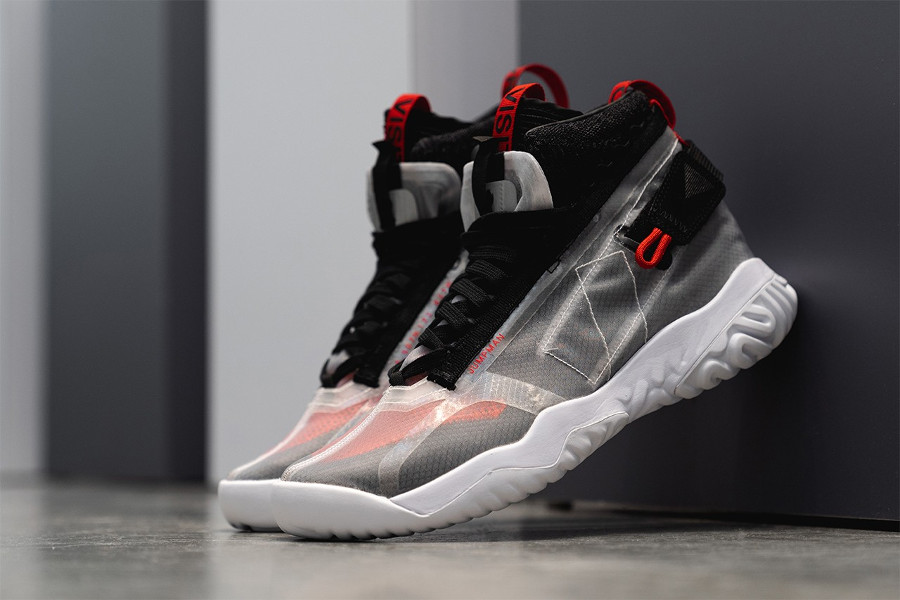 Air Jordan Apex Utility White Black University Red (1)