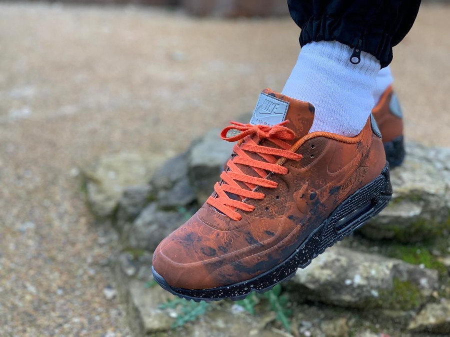 Air Max 90 Mars Stone Magma Orange (2)