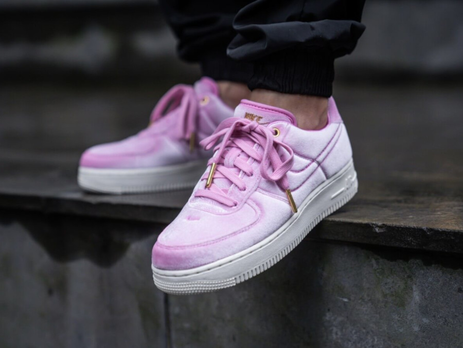 Nike Air Force 1 '07 Premium 3 'Velvet' Pink Rise Sail (2)