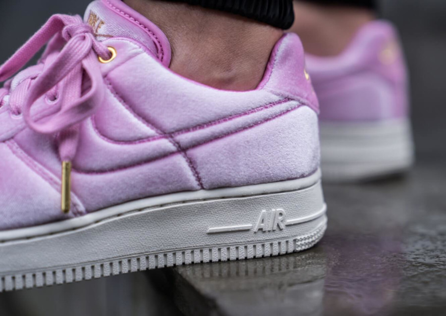Nike Air Force 1 '07 Premium 3 'Velvet' Pink Rise Sail (3)