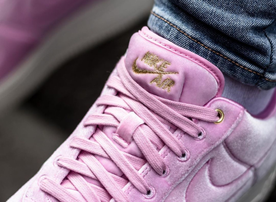 Nike Air Force 1 '07 Premium 3 'Velvet' Pink Rise Sail (5-1)