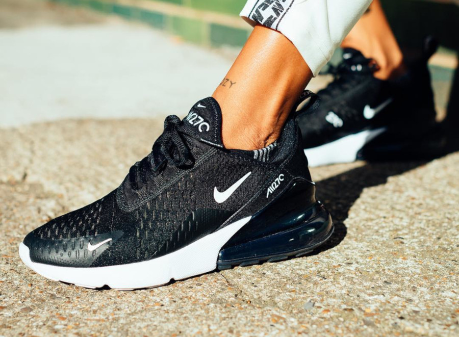 Nike Air Max 270 Black Anthracite Solar Red - @mearakallista