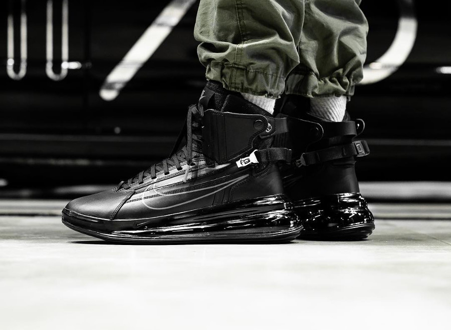Nike Air Max 720 SATRN Saturn Zip Black Dark Grey on feet (1)
