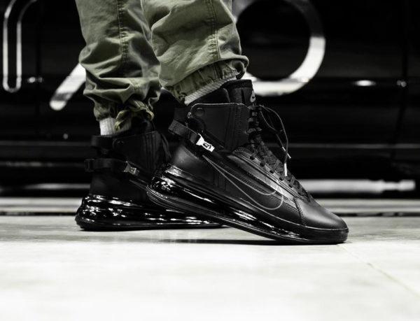 Nike Air Max 720 SATRN Saturn Zip Black Dark Grey on feet (2)