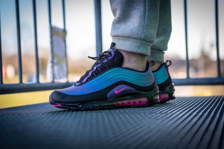 Nike Air Max 97 LX Black Laser Fuchsia Anthracite (3)