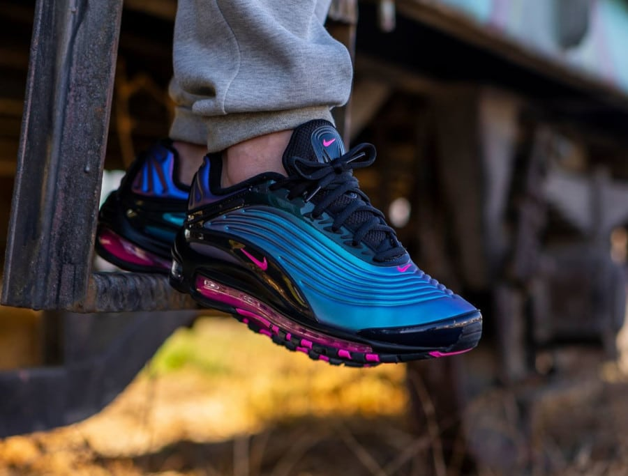 Nike Air Max Deluxe LX Laser Fuchsia Throwback Future Pack