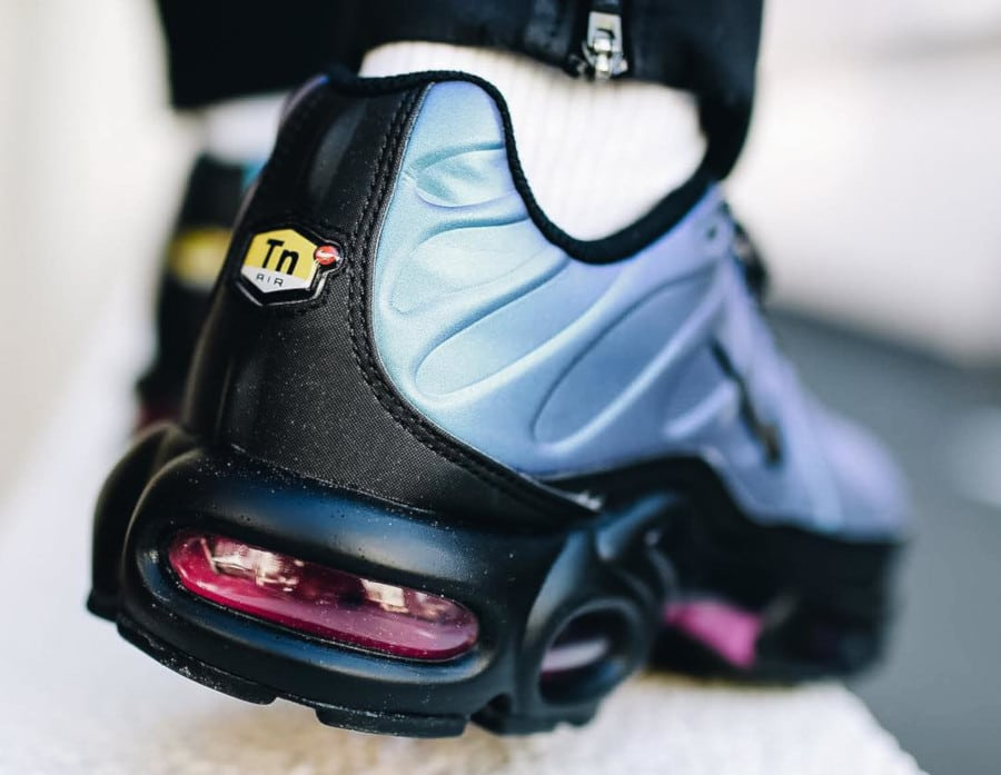 Nike Air Max Plus SE TN 'Black Laser Fuchsia' Throwback Future Pack (3)