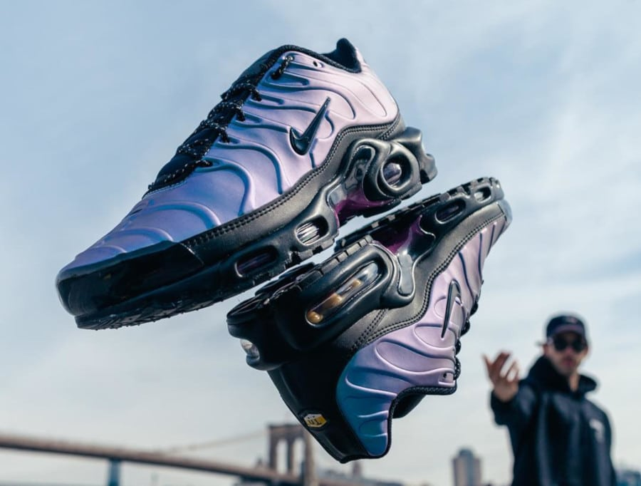 Nike Air Max Plus SE TN 'Black Laser Fuchsia' Throwback Future Pack