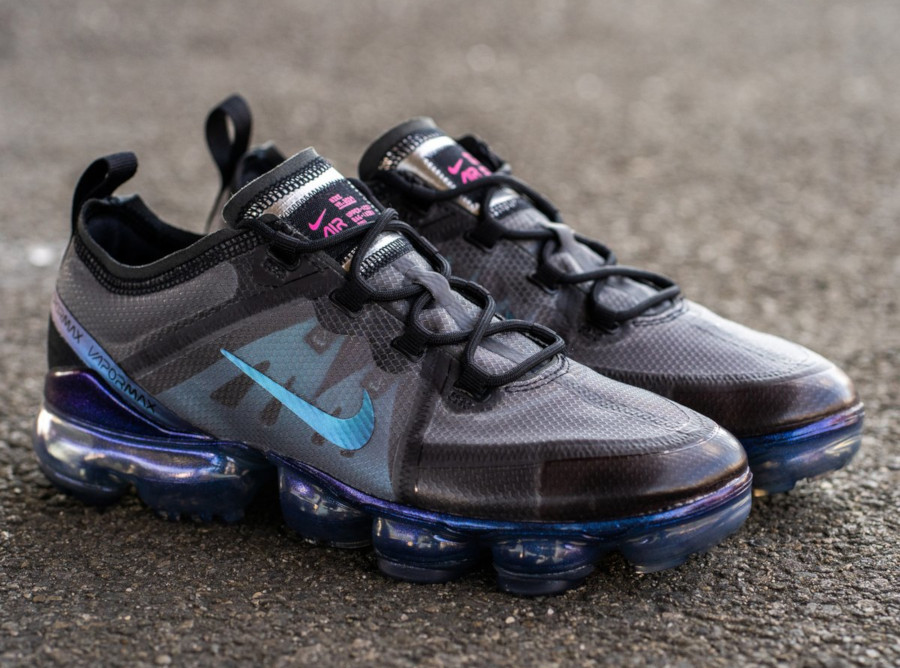 Nike Air Vapormax 19 irisée Black Laser Fuchsia Anthracite (1)