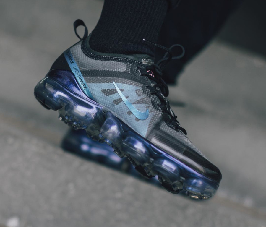Nike Air Vapormax 19 irisée Black Laser Fuchsia Anthracite (4)
