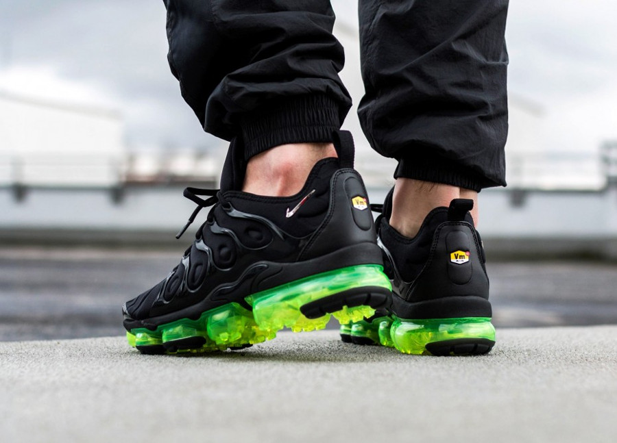 Nike Air Vapormax TN noire et vert fluo (1)