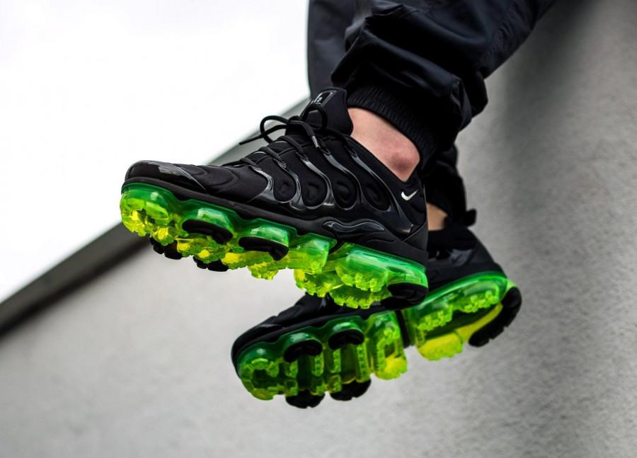 Nike Air Vapormax TN noire et vert fluo (2)