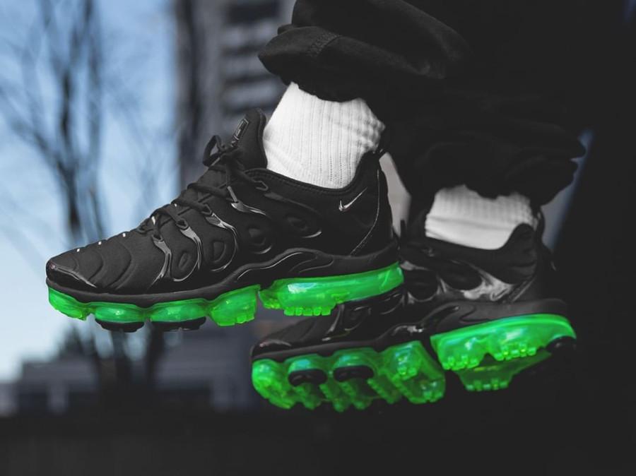 Nike Air Vapormax TN noire et vert fluo (4)