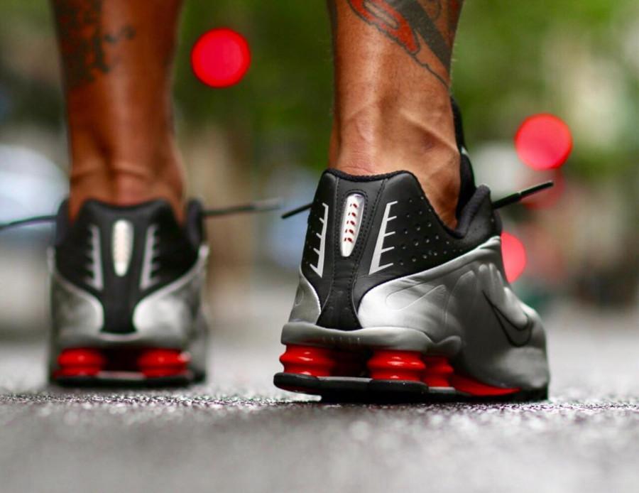 Nike Shox R4 OG Black Metallic Silver BV1111 008 (1)