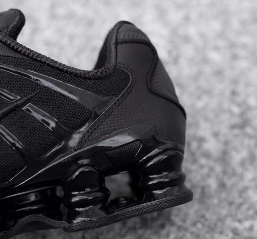 Nike Shox Total Blackout (4)