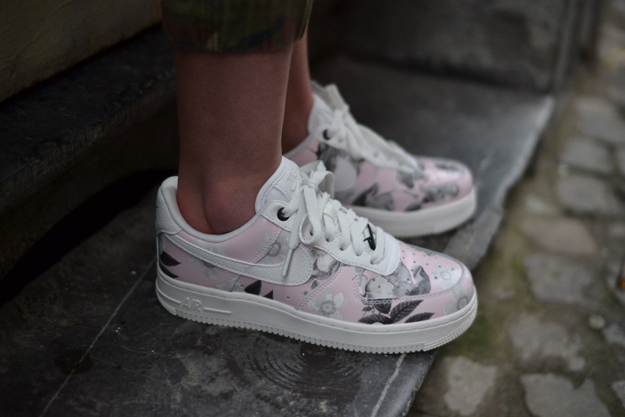 Nike Wmns Air Force 1 '07 LXX 'Floral Pack' Summit White