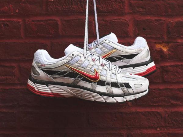 Nike Womens P-6000 blanche gris métallique et rouge (1)