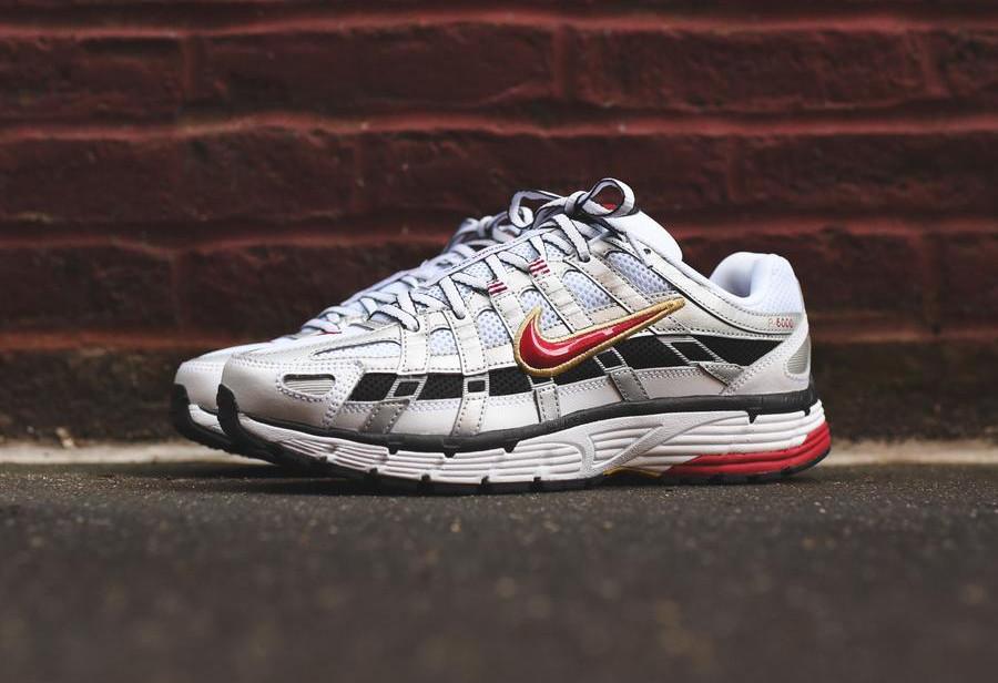 Nike Womens P-6000 blanche gris métallique et rouge (4)