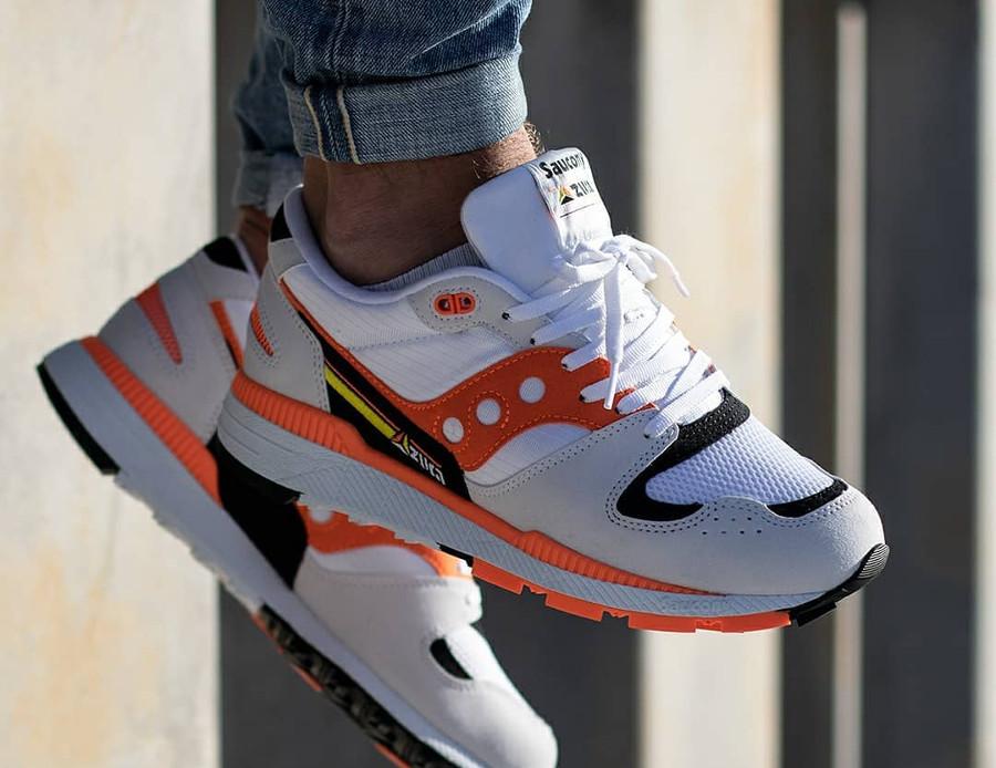 Saucony Azura 2019 blanche orange et noire (3)