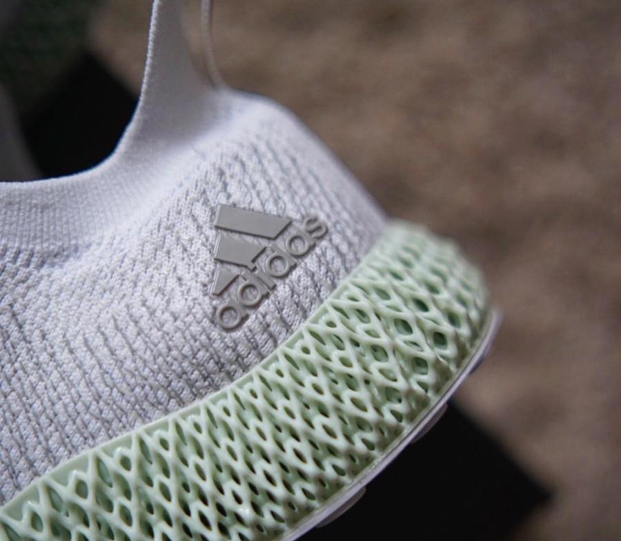 adidas-alphaedge-4d-blanche-avec-une-semelle-verte (3-1)