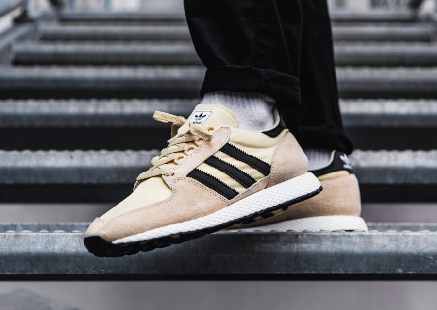 Adidas-Forest-Grove-Easy-Yellow-Black-White-4
