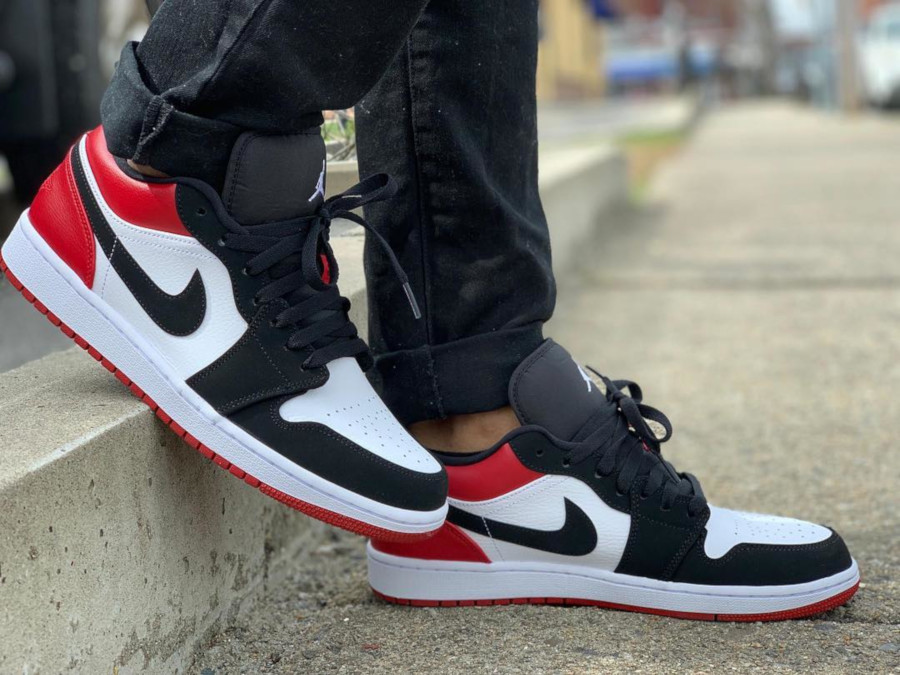 Air Jordan 1 Low Black Toe 553558-116