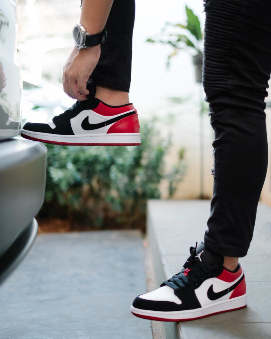 Air Jordan 1 Low 'Black Toe' White Gym Red (2)
