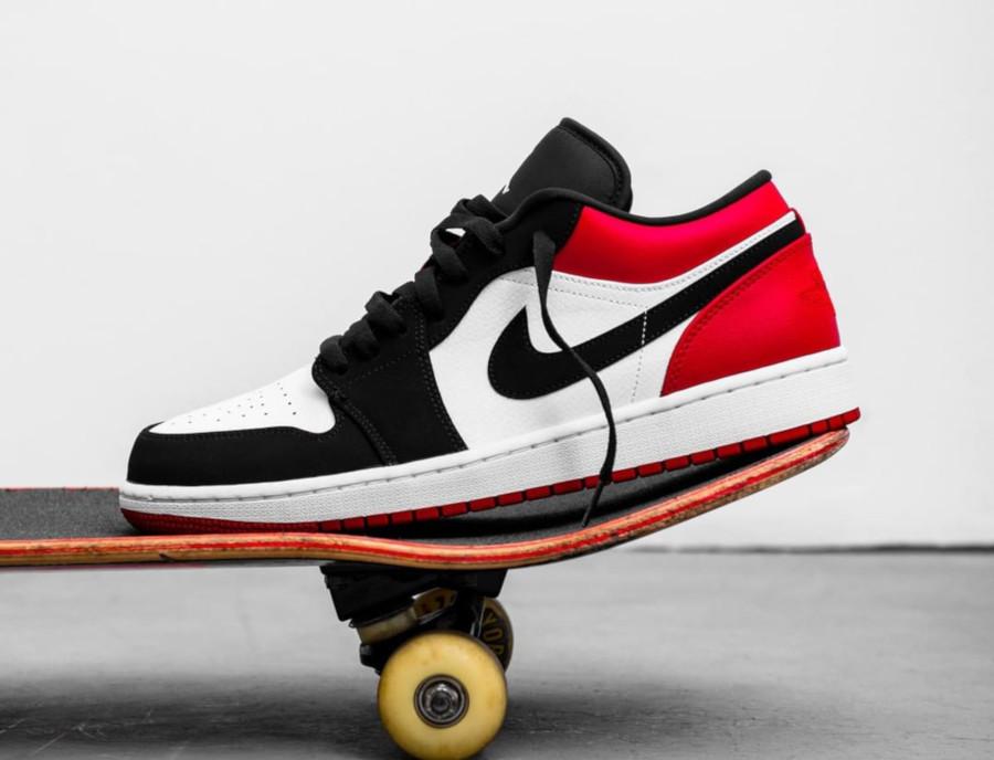 Air Jordan 1 basse blanche noire et rouge (3)