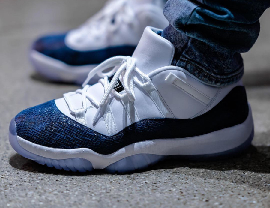 Air Jordan 11 Low OG Blue Snake 2019 on feet (3)