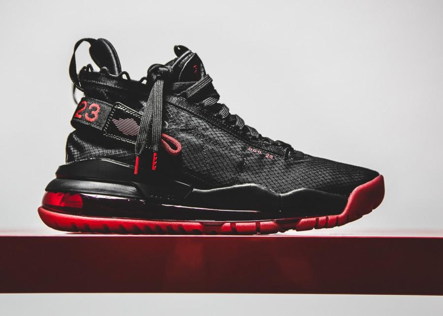 Air-Jordan-Proto-Max-720-noire-et-rouge-1