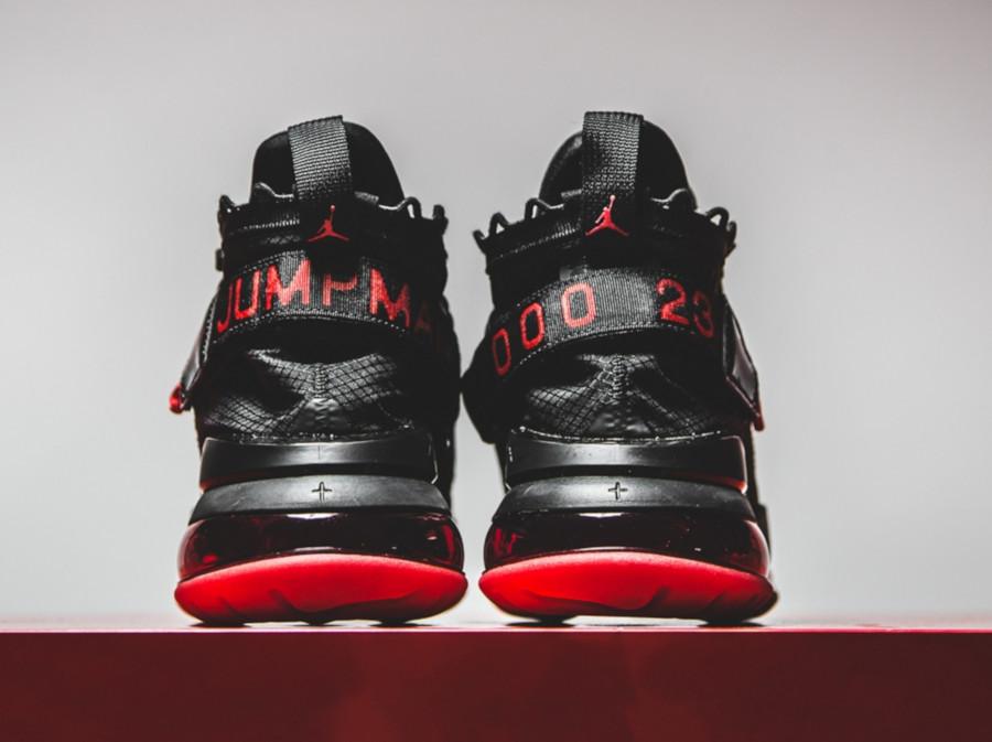 Air-Jordan-Proto-Max-720-noire-et-rouge-3
