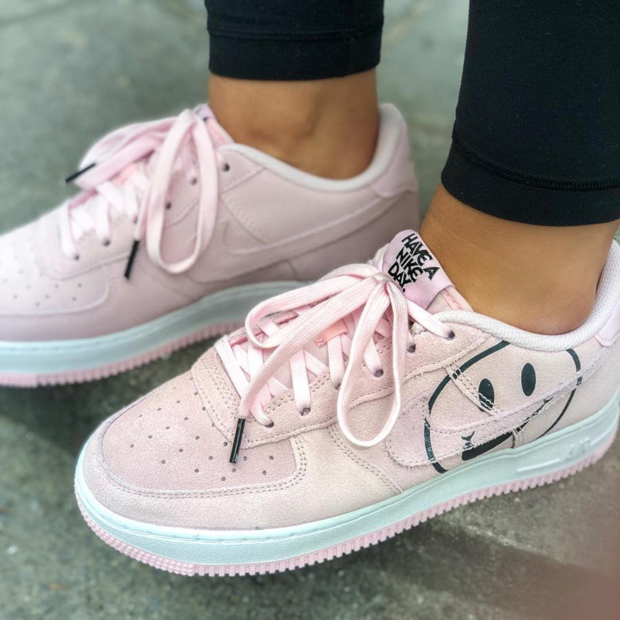 Nike Air Force 1 Have a Nike Day - @laurabiceps