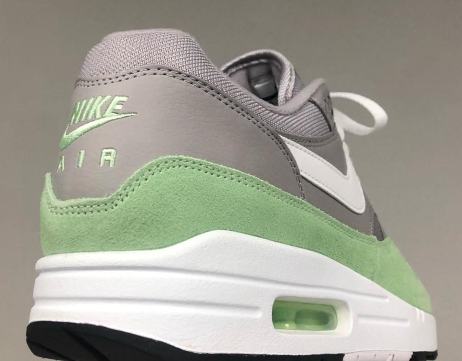 Nike Air Max 1 grise et vert menthe (3)