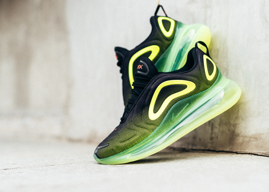 Nike Air Max 720 'Black Volt Bright Crimson' Throwback Future (1)