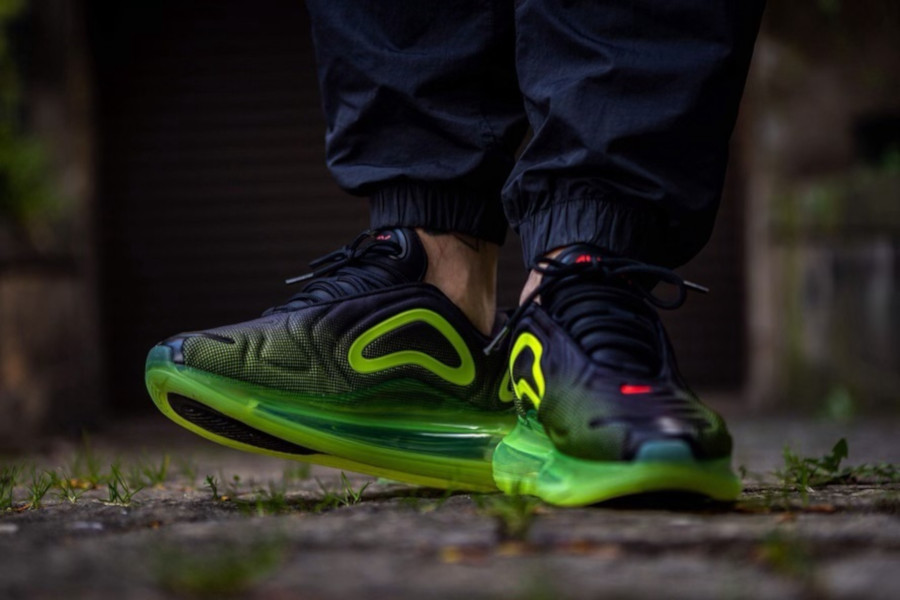 Nike Air Max 720 'Black Volt Bright Crimson' Throwback Future (2)