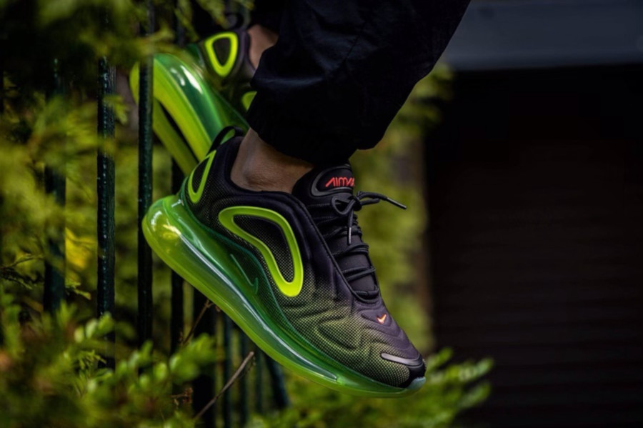Nike Air Max 720 'Black Volt Bright Crimson' Throwback Future