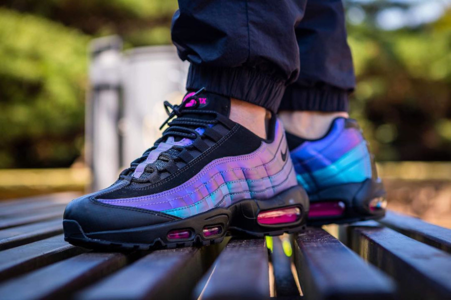 Nike Air Max 95 Premium Black Laser Fuchsia 'Throwback Future Pack'