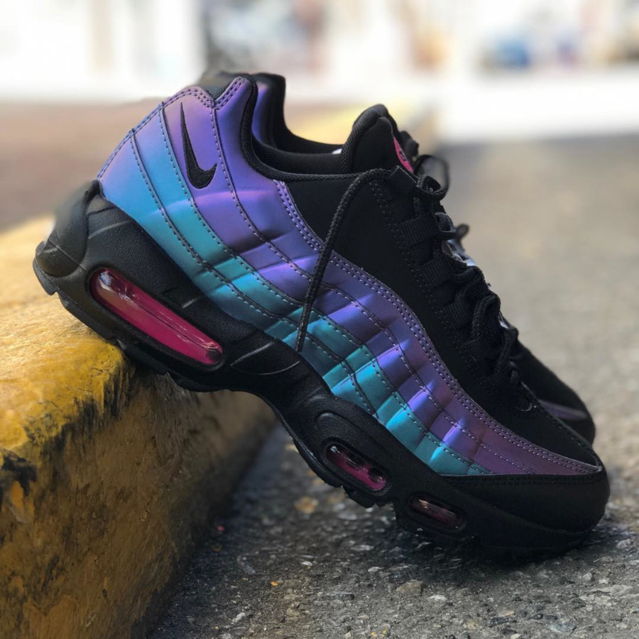 Nike Air Max 95 Premium Black Laser Fuchsia 'Throwback Future Pack' (1)