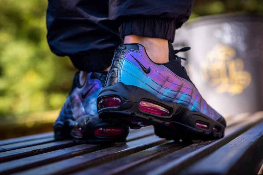 Nike Air Max 95 Premium Black Laser Fuchsia 'Throwback Future Pack' (2-1)