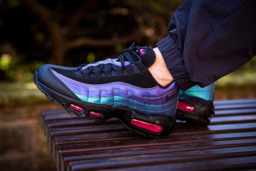 Nike Air Max 95 Premium Black Laser Fuchsia 'Throwback Future Pack' (3)