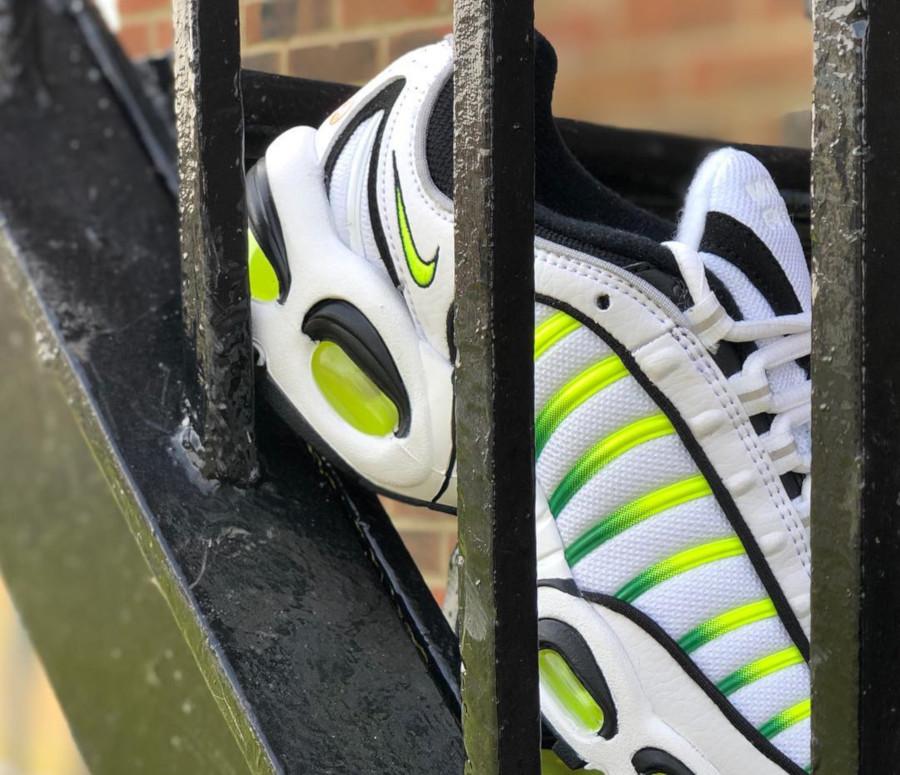 Nike Air Max Tailwind 4 blanche noire et vert fluo (2)