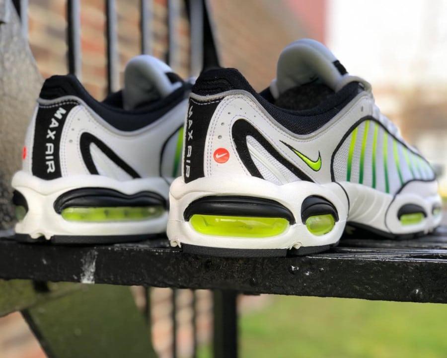 Nike Air Max Tailwind 4 blanche noire et vert fluo (3)
