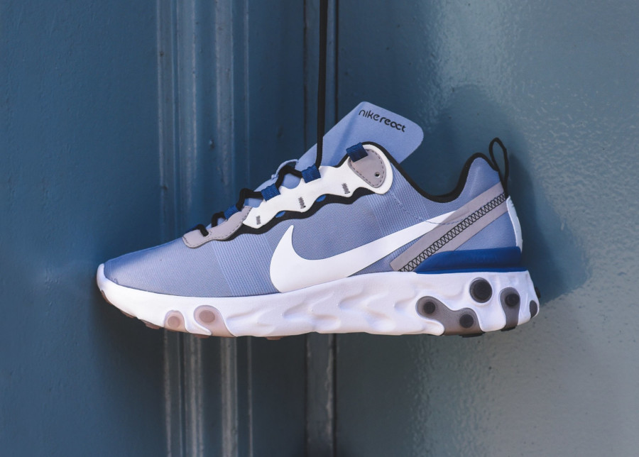 Nike React Element 55 bleu pastel et blanche (1)