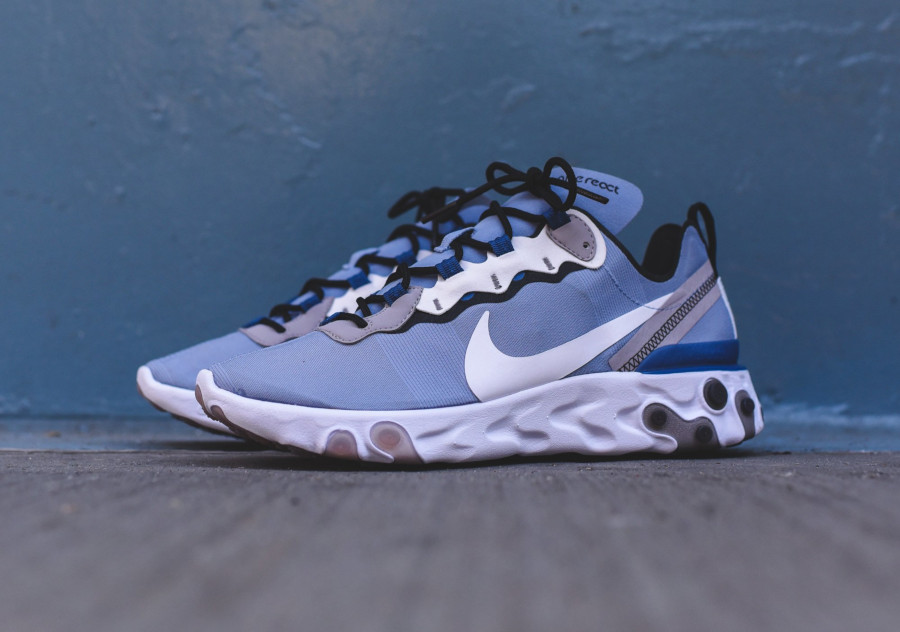 Nike React Element 55 bleu pastel et blanche (4)