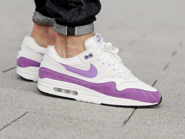 Nike Wmns Air Max 1 Atomic Violet Summit White (1)