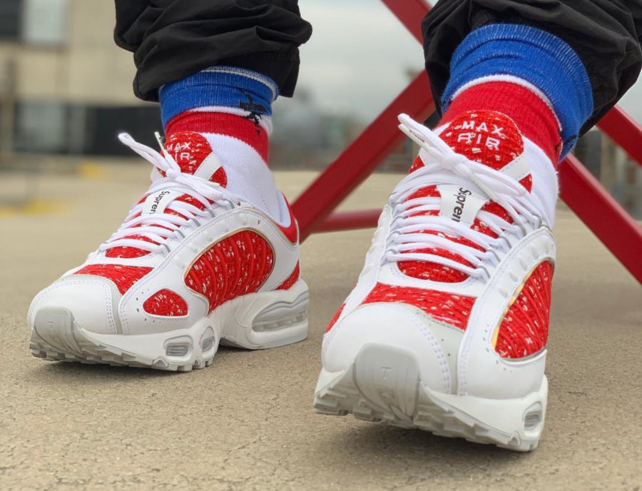 Supreme x Nike Air Max Tailwind IV White Red (#SDJ 03/04/2019)