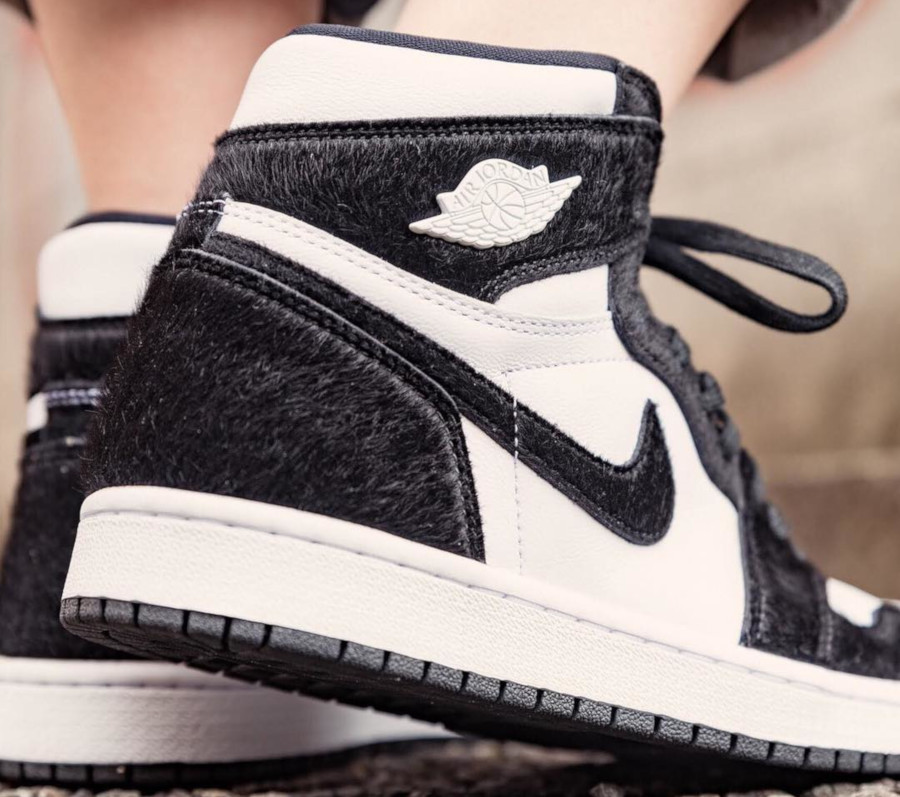 finest selection fa337 1f489 ... femme Twist Panda Black White (1) · Womens Air Jordan 1 Retro High OG  Panda (1)