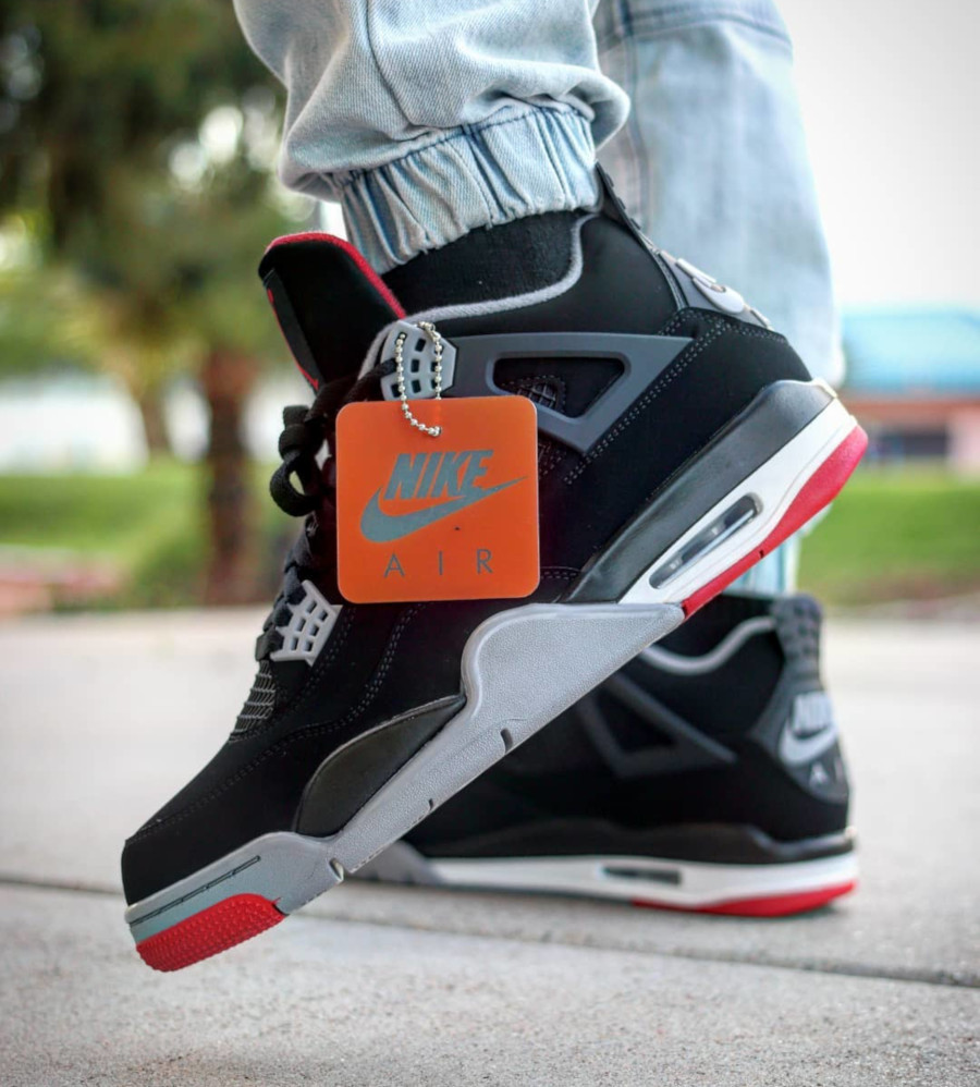 air-jordan-4-bred-2019-on-feet-@thecarolinaboy