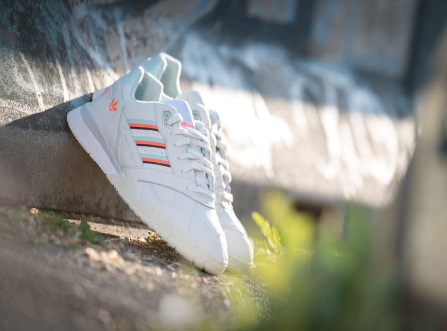 Adidas A.R. Trainer Beige Ice Mint Solar Orange (1)